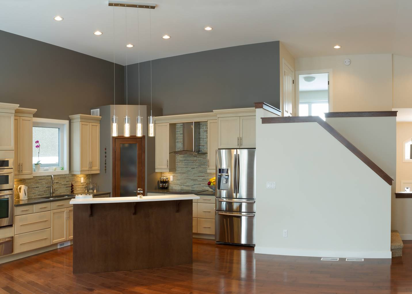Painting A Room Two Colors What To Consider Professional